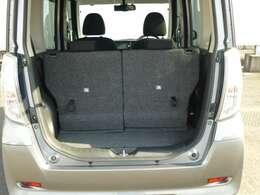 ラゲッジスペースはリヤシートをスライドすれば広さを確保できます