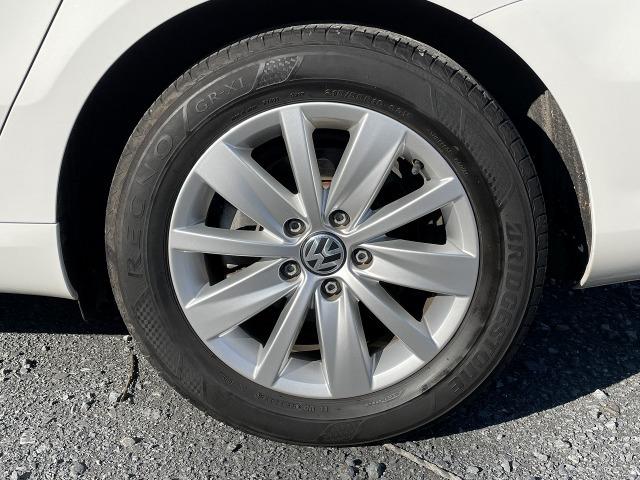 溝の少ないタイヤ、ヒビ割しているを装着の車両にはご商談の際にご提案させて頂いております。その際、ご不明な点等ございましたらお気軽にご相談ください。