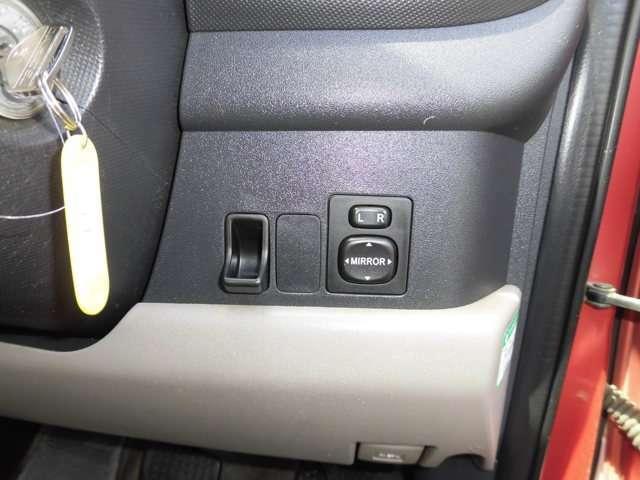 その他スイッチも取付可能スペース付いてます。