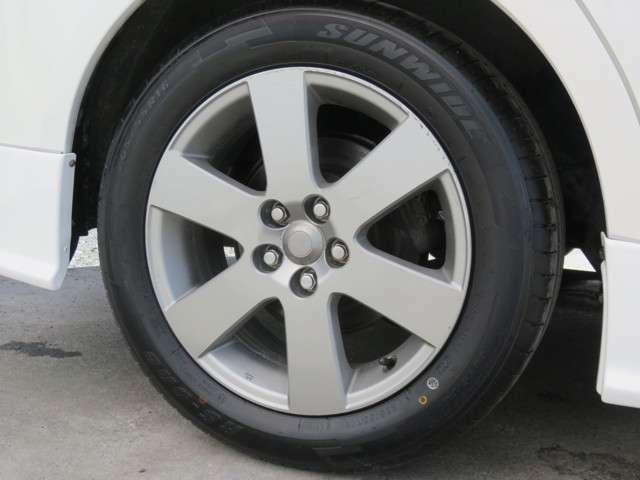 新品タイヤ4本、純正16インチアルミホイール!