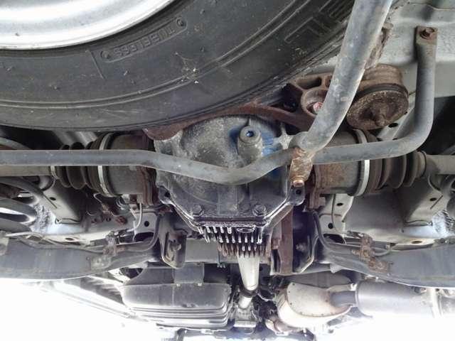 【▲左フロントインナー歪み、ロアサポート修正跡有りの為、本車両は修復歴有りとなりますが、弊社にて当社走行テスト済み。走行等に支障ありません】