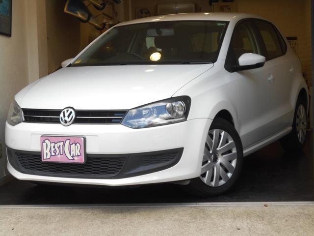 VWポロ1.2TSIコンフォートラインブルーモーションテクノロジー走行2.3万キロと少ないお車です。純正ナビ・TV・ETC付きです。