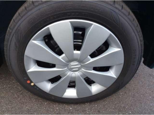 届出済未使用車ですのでタイヤの溝もバッチリ残ってます!