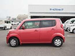 可愛らしいピンクのボディカラーがオシャレなお車です♪