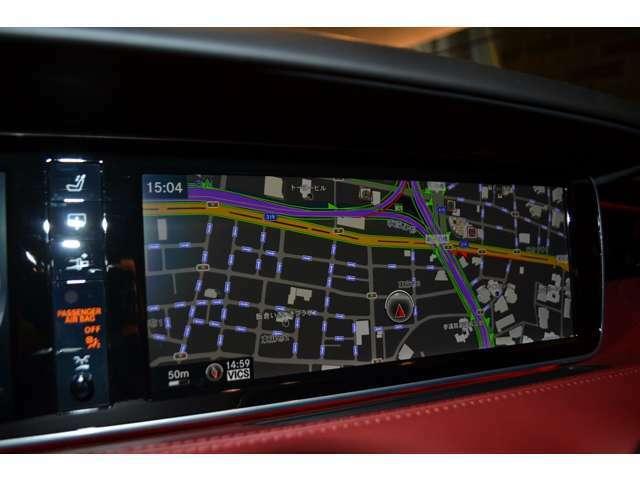 12.3インチの大型ディスプレイで、ナビなども見やすくなっております! TV/CD/DVD/Bluetoothなどメディアも充実しております!