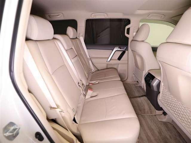 トヨタ正規ディーラーとして充実の保証・整備をご提供させて頂きます。