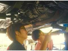 ☆整備・修理☆ どんな車でも整備OK!お客様と確認しながら適切なアドバイスさせていただきます!