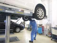 経験豊かな整備士がしっかりと整備いたしますので、安心してU-Carにお乗り頂けます。