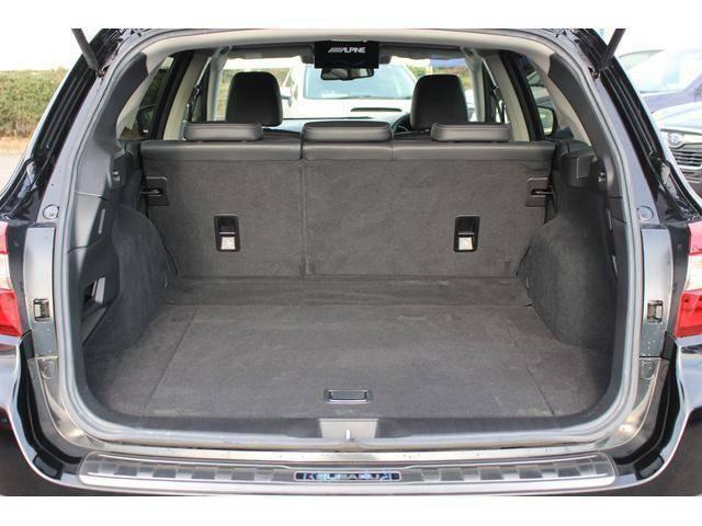 5名乗車時です、荷室フロア長1062mm荷室高824mm荷室開口幅1175mmのゆとりあるカーゴスペース、日常のお買い物は充分の広さです、ご家族でドライブ行きましょう