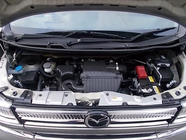 法定12ヶ月点検。最新の自動車技術に対応したマツダ資格を持った整備士が厳選された部品を使い、しっかりと丁寧に点検・整備します。