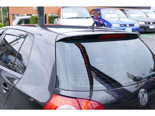 当社の車両は本体価格問わずに3カ月3000kmの自社保証をお付けいたしております。納車時に保証書を発行致しております。保証内容に関しましては日本中古自動車販売協会が規定した内容で安心の内容です。