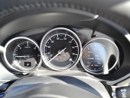 走行わずか8km!本年3月に自社登録したお車にボディーコーティングを施工し新品フロアマットを積込しております。また、次回車検整備を含む4回分の点検メンテナンスパック付です。