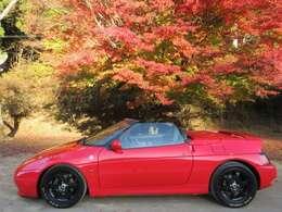 1994モデルまでは二代目エランとして販売されました。