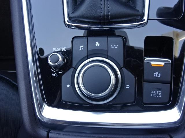 手動に比べて、十分な量のブレーキを掛ける事が出来ます。また、アクセルを踏み込むことによりパーキングブレーキを自動解除できるため、解除し忘れたまま発信する不安がなくなり、ドライバーの負担が減ります