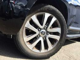 純正のアルミホイールが付いています☆タイヤの残り溝も問題なしです♪