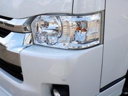 メーカーオプションのLEDヘッドライトも装着済み! 夜道を明るく照らしてくれます。