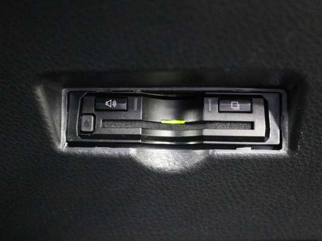 スッキリ装着されたビルトインタイプのETC!高速道路走行の料金所をノンストップで通過できます。※ ETCカードのお申し込みも当社にお任せ下さい!