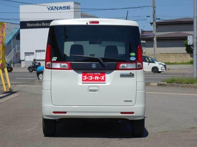 清潔感と高級感を兼ね備えたパールホワイトの車体色です♪