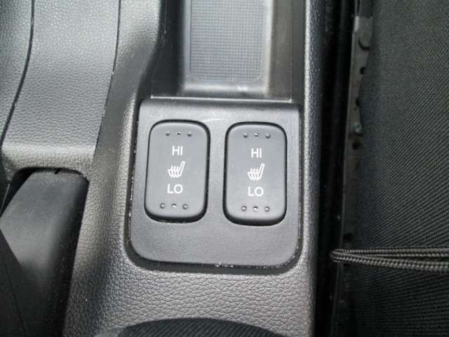 特別装備の運転席/助手席シートヒーター付き