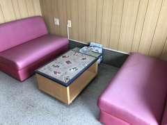 かわいいテーブルの商談スペースです☆