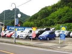 軽自動車から普通車まで多数展示中です!お気軽に見て下さい。