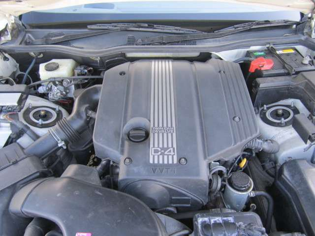搭載されるエンジンは220馬力の直6DOHC 3L直噴エンジンです。