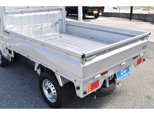 気兼ねなく色々な荷物を積めるのが軽トラックの魅力!