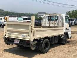 当店ではお仕事に活躍するトラック・バキューム・ダンプ・クレーン車・高所作業車まで各種車両を常時展示しております。