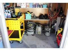 仕上げにも拘っています。ケルヒャー製スチーム洗浄機、リンスカーペットクリーナ等を使用しています。