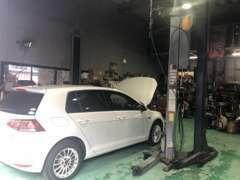 自社認証工場完備!輸入車診断機も揃っております!点検・車検、お任せください!
