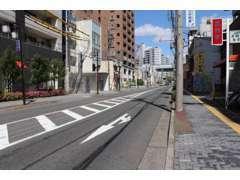 地下鉄名港線日比野駅3番出口から徒歩約3分。