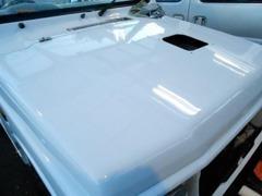 外装も外せる部品は全て外し、ポリッシャーにて徹底的に磨きます^^当社の車両に「汚い」はあり得ません!