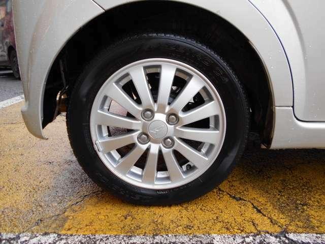 【ABS】 アンチブレ-キロックシステム。急ブレーキ時のブレーキロックを防ぐ安全装置です。万が一に備える安全装置です。
