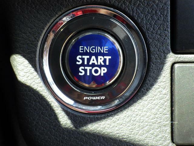◆キーレスプッシュスタートシステム◆エンジンスタートがボタンひとつで始動。キーはポケットやバッグに入れたままでもエンジン始動が可能です