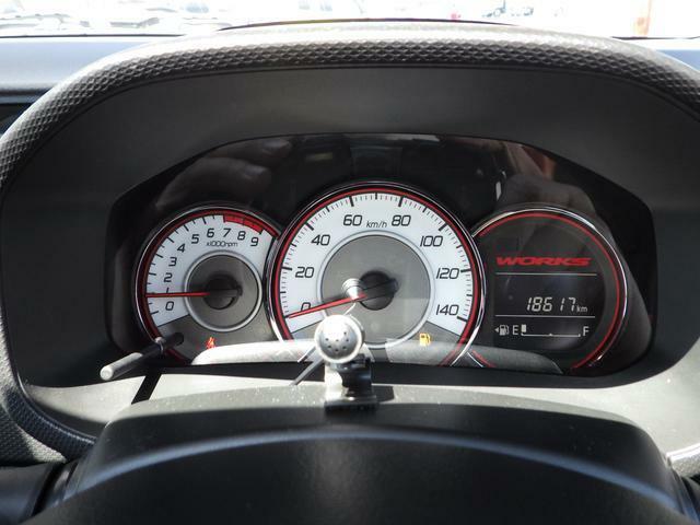☆アイドリングストップ節約燃料/アイドリングストップ時間/瞬間燃費/平均燃費/航続可能距離/オドメーター/トリップメーターなど確認が出来ます。