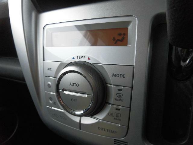 快適装備のオートエアコン♪