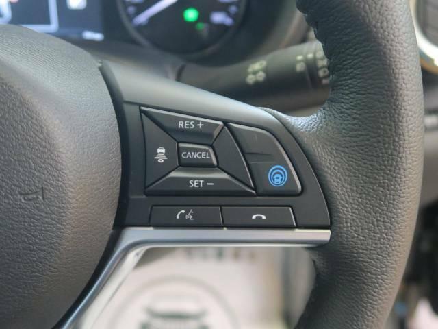 【プロパイロット】高速道路での長距離走行が楽に!!渋滞時と巡回走行のシーンで、アクセル・ブレーキ・ステアリングを自動で制御し、長距離運転の負担を軽減してくれます♪