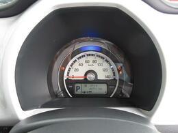 盤面発光のメーターにはマルチインフォメーションディスプレイを内蔵。☆彡