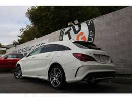 メルセデスの人気ステーションワゴン! CLA180 シューティングブレーク スポーツの入庫です!外装にはカルサイトホワイトを配色!