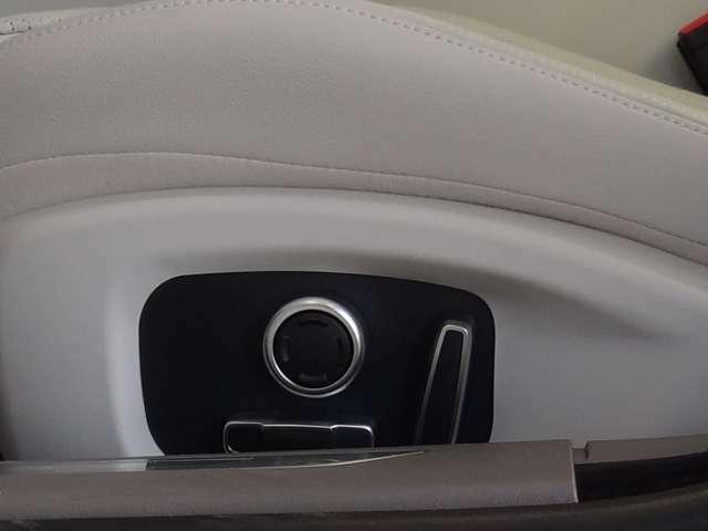 フロントパワーシート操作スイッチレバー