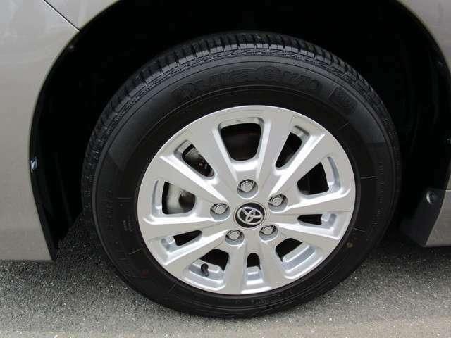 純正15インチアルミホイール タイヤサイズ:195/65R15