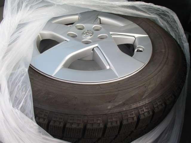 冬タイヤ付属!タイヤサイズは195/65R15