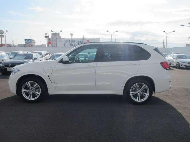 BMWエマージェンシー・サービスは様々なトラブルのアドバイス、出張修理やレッカーなどの手配、さらにお客様の交通手段やホテルの確保を24時間、365日対応いたします。
