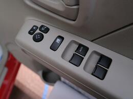 電動格納ミラー☆運転席からドアミラーの調整が可能です☆