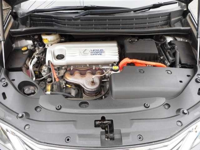 ☆エンジンは2.4L+モーターのハイブリッド♪走行は7.4マンキロとまだまだこれから♪機関も良好です♪☆