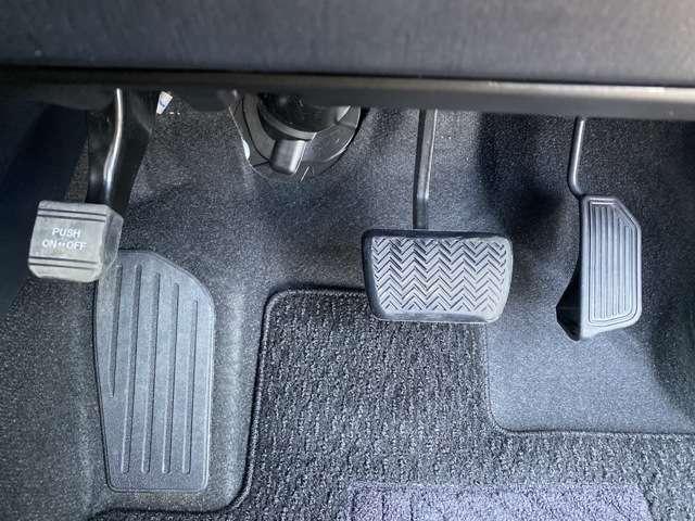 トヨタ認定中古車です!トヨタ認定中古車とは、トヨタが定める厳しい基準をクリアし、まるまるクリン+保証+車の状態がわかる車両検査証明書の3つがセットされたとても安心なお車です♪