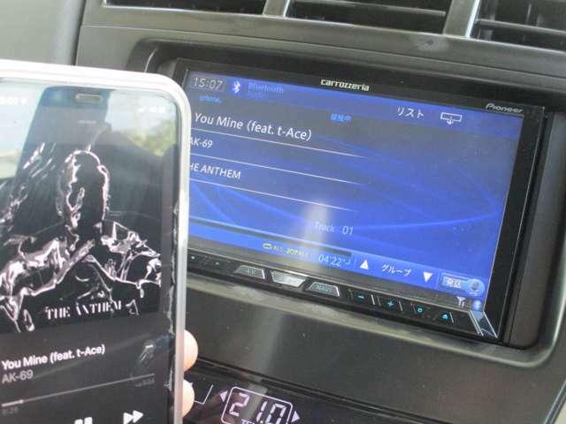 オーディオはBluetooth接続可能なHDDナビが装備!機能はラジオ、CD/DVD、地デジTV、Bluetoothなど多機能なHDDナビです!サブウーファー取付なども承ります!