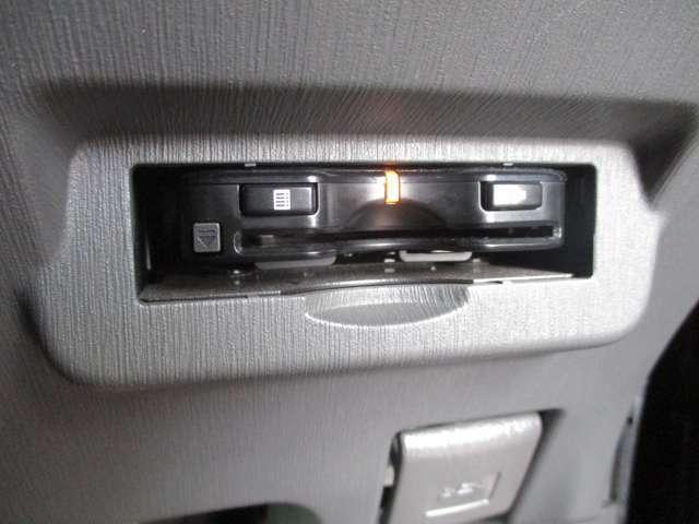 ETCは運転の邪魔にならない所に、すっきりと取り付けられております!再セットアップも承りますので、お気軽に申しつけ下さい!