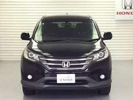 HIDヘッドライトにフォグライト、ドアミラーウインカーを備え、視認性良好なお車です。