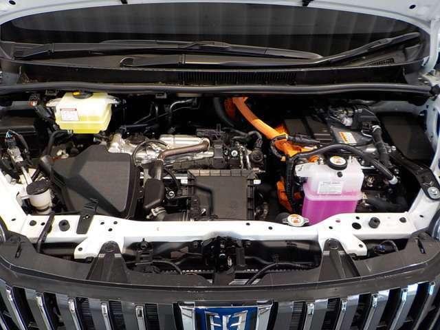 エンジンは1800ccのハイブリッドです!とても低燃費で静かなエンジンです!